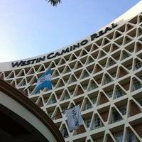 Foto tomada en Hotel Westin Camino Real por Ho Young J. el 11/8/2012