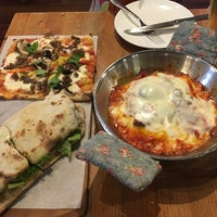 Photo taken at Trevia Pizza di Roma by Kyoung Euk K. on 4/15/2017