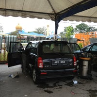 Photo taken at Analusia Car Wash by Pkcik T. on 4/3/2013