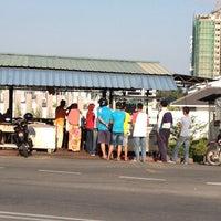 Photo taken at Warung Kopi Depan Klinik by Pkcik T. on 2/27/2014