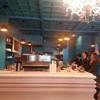Photo prise au Brew Coffee Works par Seckin U. le12/8/2012