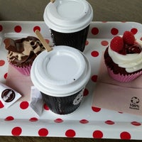 Photo taken at Spirito Cupcakes & Coffee by Eduardo M. on 10/4/2014