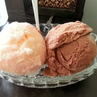 Photo taken at Samma Ice Cream by Tinn K. on 4/19/2013