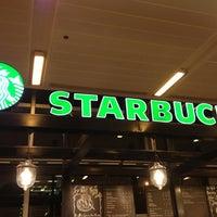 Foto tirada no(a) Starbucks Coffee por Preston B. em 1/25/2013