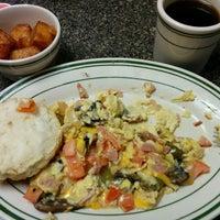 Photo taken at Hub City Diner by Alejandro M. on 5/17/2014