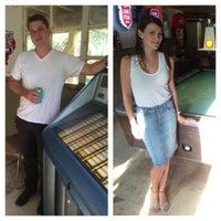 Foto tomada en Dry Creek Cafe & Boat Dock por Cody L. el 6/15/2014
