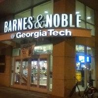 1/27/2013にDominique J.がGeorgia Tech Bookstoreで撮った写真
