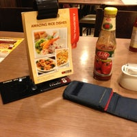 Photo taken at Pizza Hut by Saifuzzaman O. on 12/22/2012