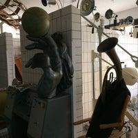 Foto scattata a Designpanoptikum - surreales Museum für industrielle Objekte da Irina I. il 8/20/2014