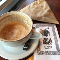 Photo taken at Coffee House by Alida S. on 2/1/2018