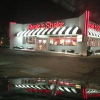 Photo taken at Steak 'n Shake by Ashlee C. on 2/7/2013