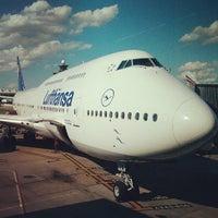 Photo taken at Lufthansa Flight LH 419 by Norel G. on 6/29/2013