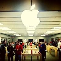 Foto scattata a Apple Haywood Mall da Jonathan B. il 12/6/2012