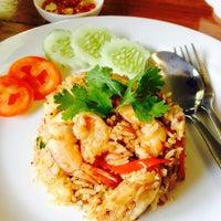 Photo taken at Maikaew Damnoen Resort | Ratchaburi by Bussara S. on 9/4/2015