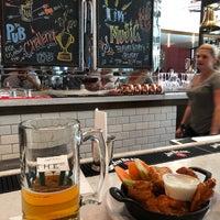 Foto tirada no(a) The Pub por Ali N. em 9/9/2018