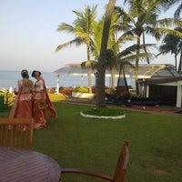 Photo taken at Sea Breeze - Galleface Hotel by Yasiru G. on 1/16/2013
