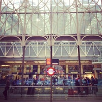 Photo taken at London Paddington Railway Station (PAD) by Torsten B. on 11/12/2012