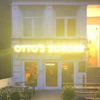 Das Foto wurde bei Otto's Burger von Torsten B. am 3/23/2017 aufgenommen