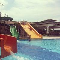 Photo taken at Club Nena Aqua Park by Katarina on 5/8/2013