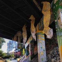 Das Foto wurde bei Atlanta BeltLine Corridor under Highland Ave. von Kate G. am 10/18/2013 aufgenommen