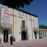 5/25/2013 tarihinde Pilar R.ziyaretçi tarafından Centre Cívic del Guinardó'de çekilen fotoğraf