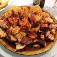 8/12/2014 tarihinde Bichicientaziyaretçi tarafından Restaurante La Marina Puerto De Vega'de çekilen fotoğraf