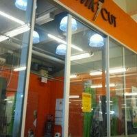 Photo taken at Kwik Cut by Azrool E. on 12/7/2012