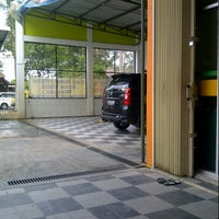 Photo taken at Auto iqbal Car Wash by Aditya W. on 9/26/2012