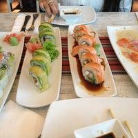 Foto tomada en Senz Nikkei Restaurant por Karin D. el 3/30/2013