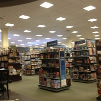 Photo taken at Barnes & Noble by Nypapi251 on 4/11/2013