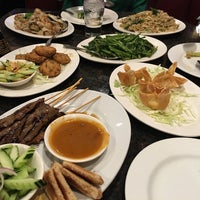 Photo taken at Kung Fu Thai & Chinese Restaurant by Liberty A. on 10/2/2016