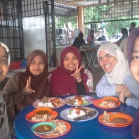 Photo taken at Roti Canai Taman Ria by Nur Atiff A. on 11/11/2014
