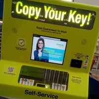 Photo taken at Lowe's Home Improvement by Octavio B. on 2/14/2014