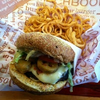 Photo taken at Red Robin Gourmet Burgers by Irene on 2/9/2013