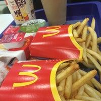Photo taken at McDonald's by Mehrnoosh on 10/16/2015