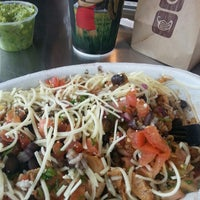 Photo taken at Chipotle Mexican Grill by Di Di on 4/19/2014