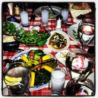 3/17/2013 tarihinde Ozge S.ziyaretçi tarafından Radika Restaurant'de çekilen fotoğraf