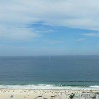 Foto tirada no(a) Oceano Copacabana Hotel por Gisele F. em 11/20/2015