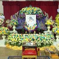 Photo taken at ศาลา 7 วัดนครสวรรค์ by sukrit a. on 10/21/2013