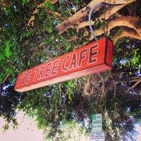 รูปภาพถ่ายที่ Fig Tree Cafe โดย Chris R. เมื่อ 10/7/2013