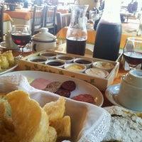 Снимок сделан в Café Colonial Walachay пользователем Soraia  Hutten B. 5/1/2014