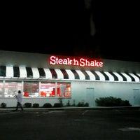 Photo taken at Steak 'n Shake by Erica on 4/18/2013