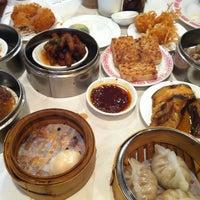 Photo taken at Pine Court Chinese Bistro by Hoki T. on 5/8/2013