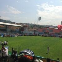 Photo taken at Yusuf Ziya Öniş Stadyumu by Kağan Ş. on 6/5/2013