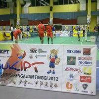 Photo taken at Pusat Sukan UiTM by Sarah R. on 11/9/2012