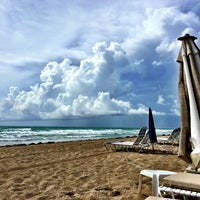 Photo taken at Surfside Beach @ 94th St. by Ярослав on 6/14/2015