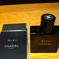 Photo taken at Chanel Boutique by 🇩🇪⚽Lilly ØstenMünchen 🇩🇪⚽⚾ 🏈 🏀🎾  🎿 🏂 🔴 💪🏄   . on 2/5/2013
