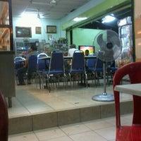 Photo taken at Restoran Beriyani Maju Jaya by Amran S. on 12/2/2012