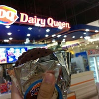 Photo taken at Dairy Queen by n:la🌊 s. on 8/10/2016