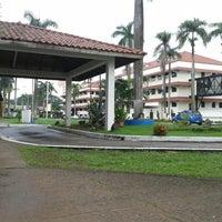 Photo taken at Universidad Especializada de las Américas (UDELAS) by Luis A. on 7/8/2013